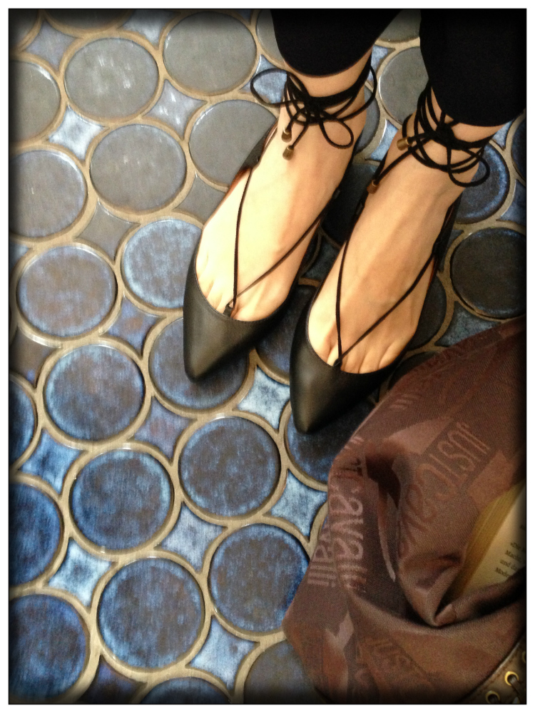 Mariposa Fashion Blog- Travel Germany- Shoeslovers- Trends- Travel guide Hamburg