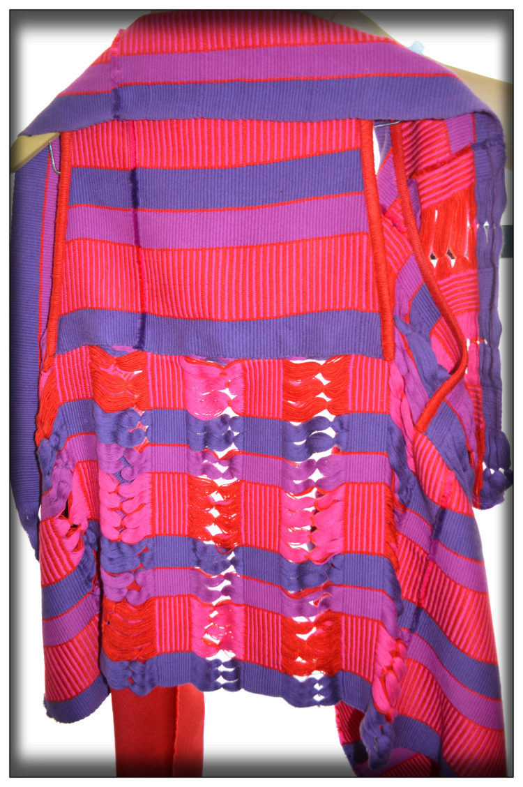 Poncho- Adriana Santacruz- Mariposa Fashion Blog- kolumbianisches Design