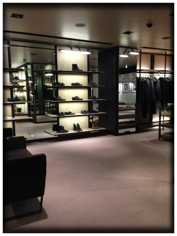 bottega-venetta-store-neuwall-hamburg-fashion-report-luxury-mariposa-fashion-blog