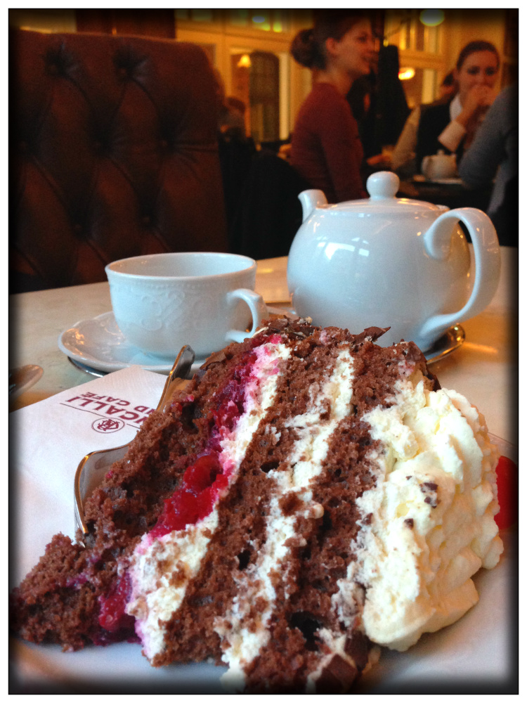 Kuchen- Tee time in Hamburg- Mariposa Fashion Blog